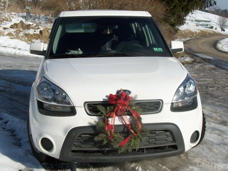 kia Soul with wreath